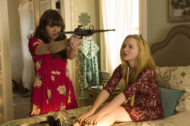 hailee-steinfeld-jessica-alba-dove-cameron-barely-lethal-posters-promos-stills_3